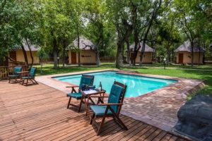Phuti Lodge - outside2