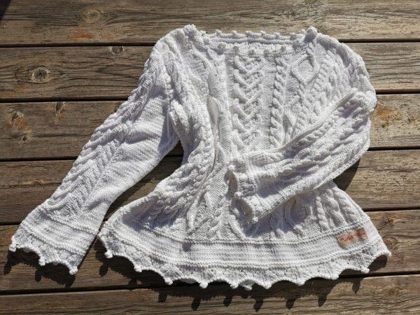 Pull pour femme tricoté à la main en coton blanc