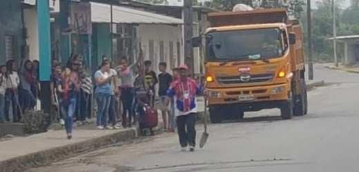Limpieza en la lotización Angueta Moreno