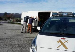 Detenidos cuatro catalanes, dos españoles y un socuellamino con una furgoneta llena de papeletas del referéndum catalán