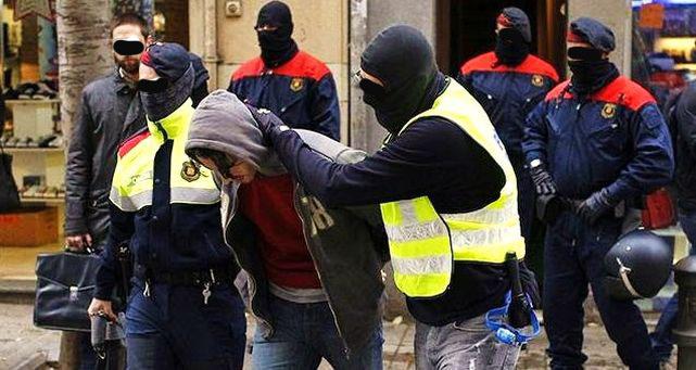 Detenidos dos vecinos de Las Mesas (Cuenca) en Cataluña al confundirlos con los que llevan las mesas para votar
