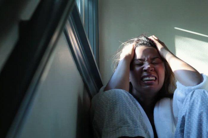 Hospitalizada con una crisis nerviosa provocada por los villancicos emitidos desde la torre de Las Pedroñeras