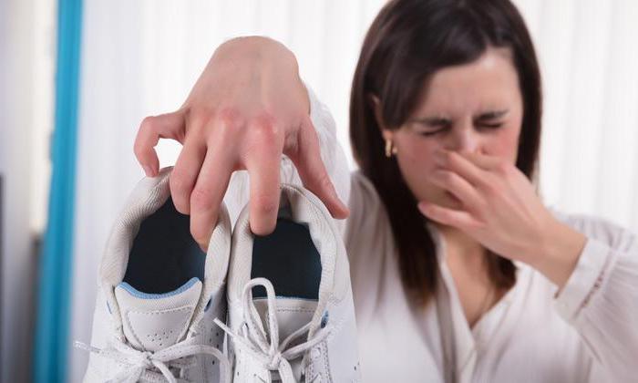 Una mujer de La Alberca descubre que tiene coronavirus por que lleva una semana sin oler los pies del marido