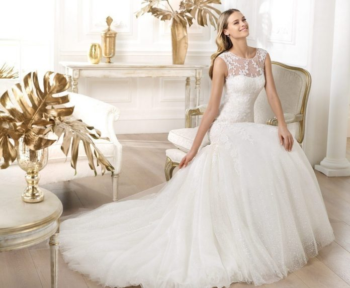 benefits-of-wedding-dress-696x573