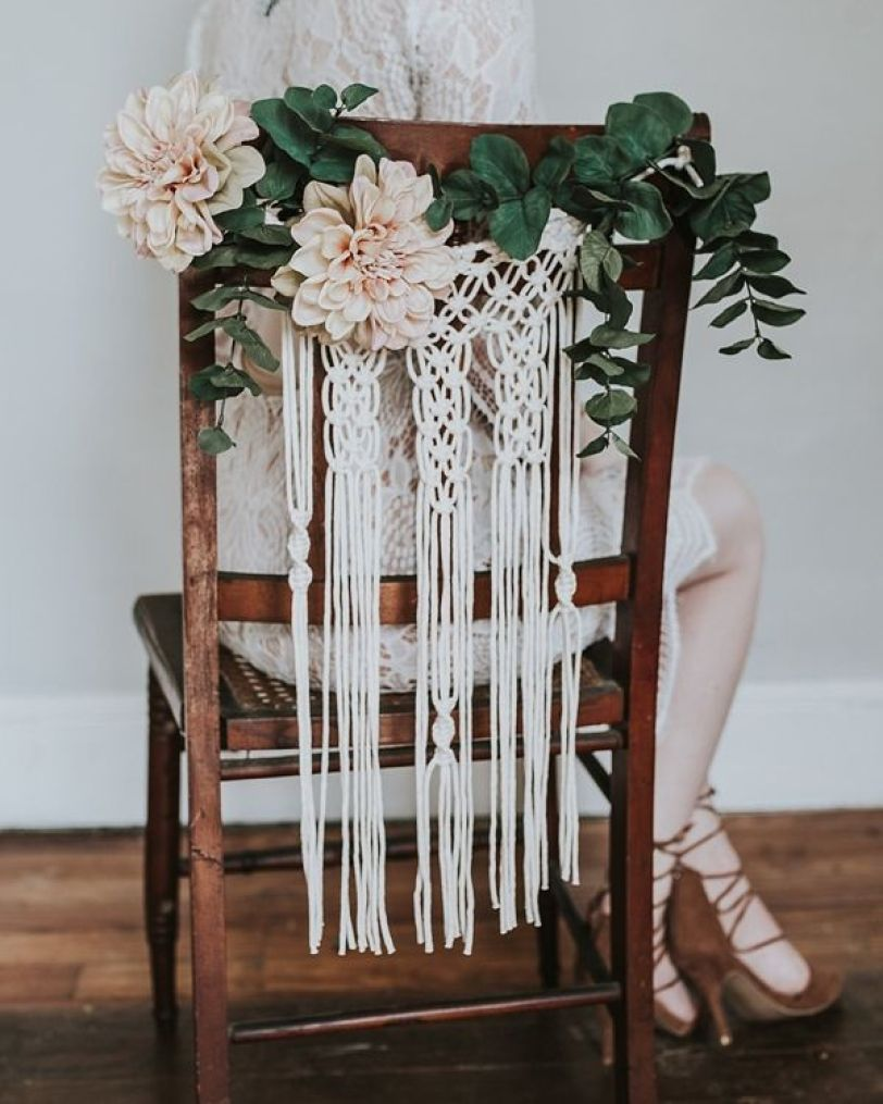 926e64d13a6683d0a2e3ba965237f305--wedding-chair-decorations-wedding-chairs.jpg