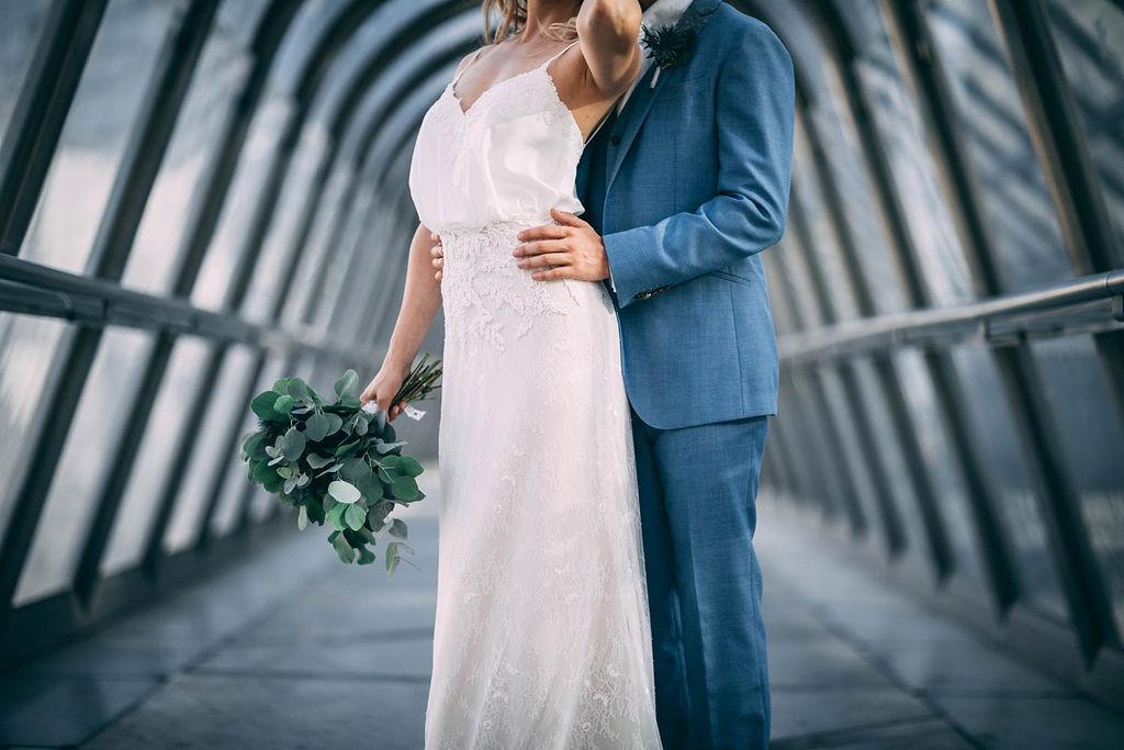 1_20_romantique_couple_4_looks_sidneyonthemoon_photographe_chrisvonmartial_robe_mariee_costume_paris_wedding_web.jpg