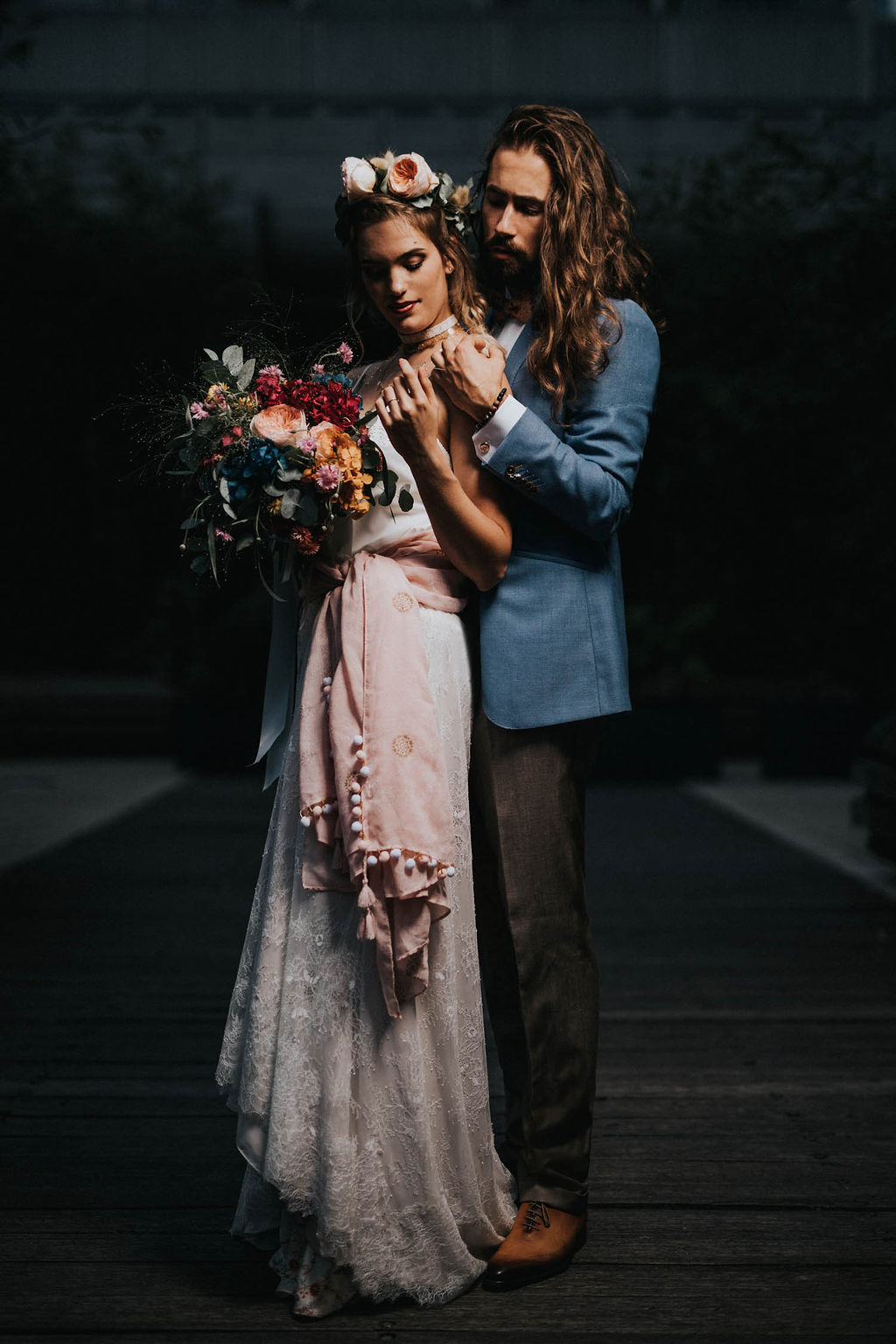 2_23_boheme_couple_4_looks_sidneyonthemoon_photographe_chrisvonmartial_robe_mariee_costume_paris_wedding_web.jpg