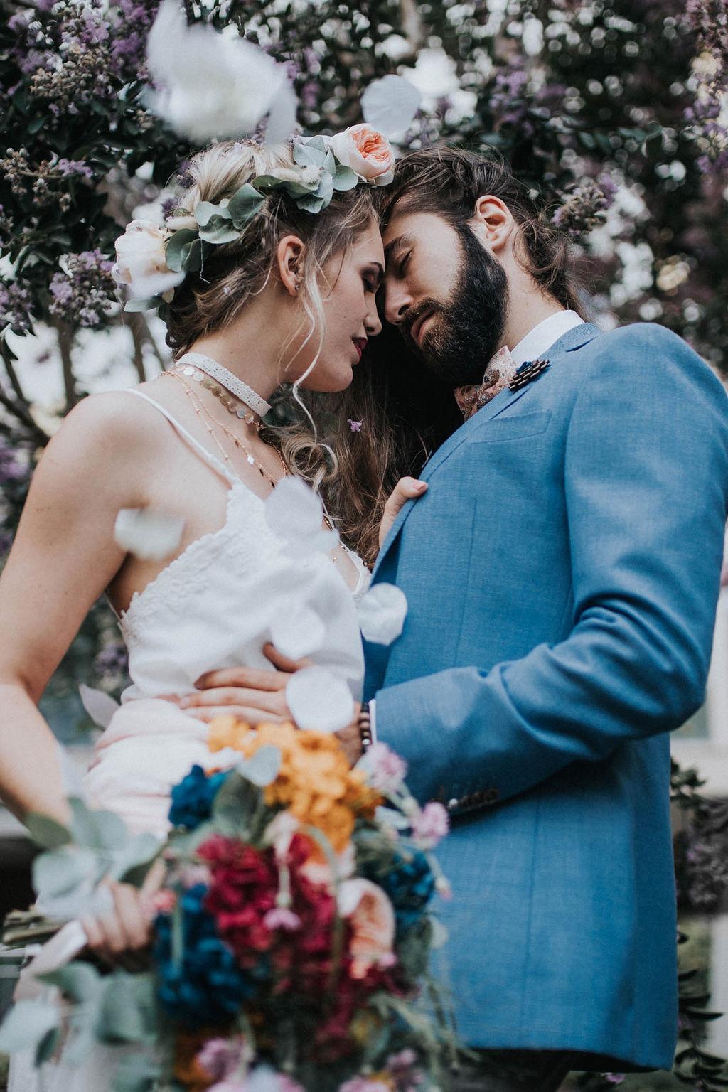 2_5_boheme_couple_4_looks_sidneyonthemoon_photographe_chrisvonmartial_robe_mariee_costume_paris_wedding_web
