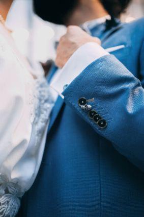 3_12_chic_urbain_couple_4_looks_sidneyonthemoon_photographe_chrisvonmartial_robe_mariee_costume_paris_wedding_web