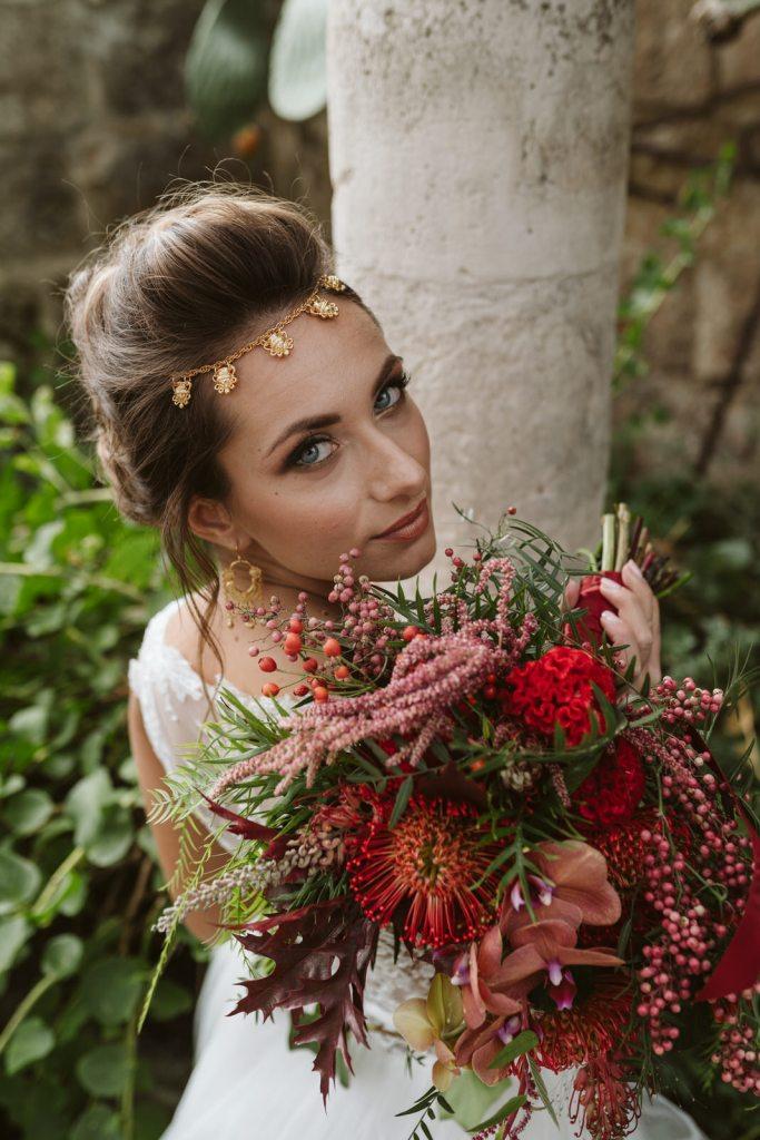 Bouquet de la mariée et bijou de tête