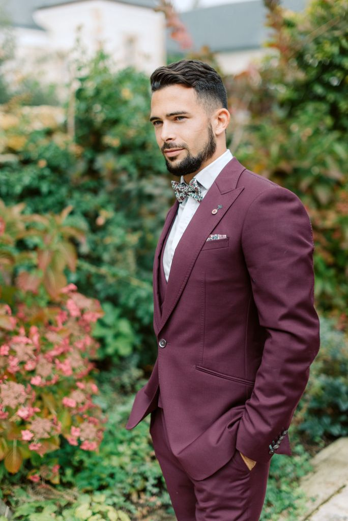 costume de mariage automne pourpre