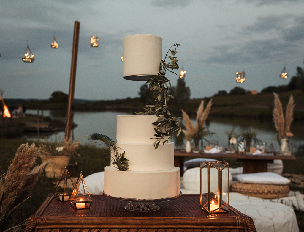 wedding cake blanc mariage bohème