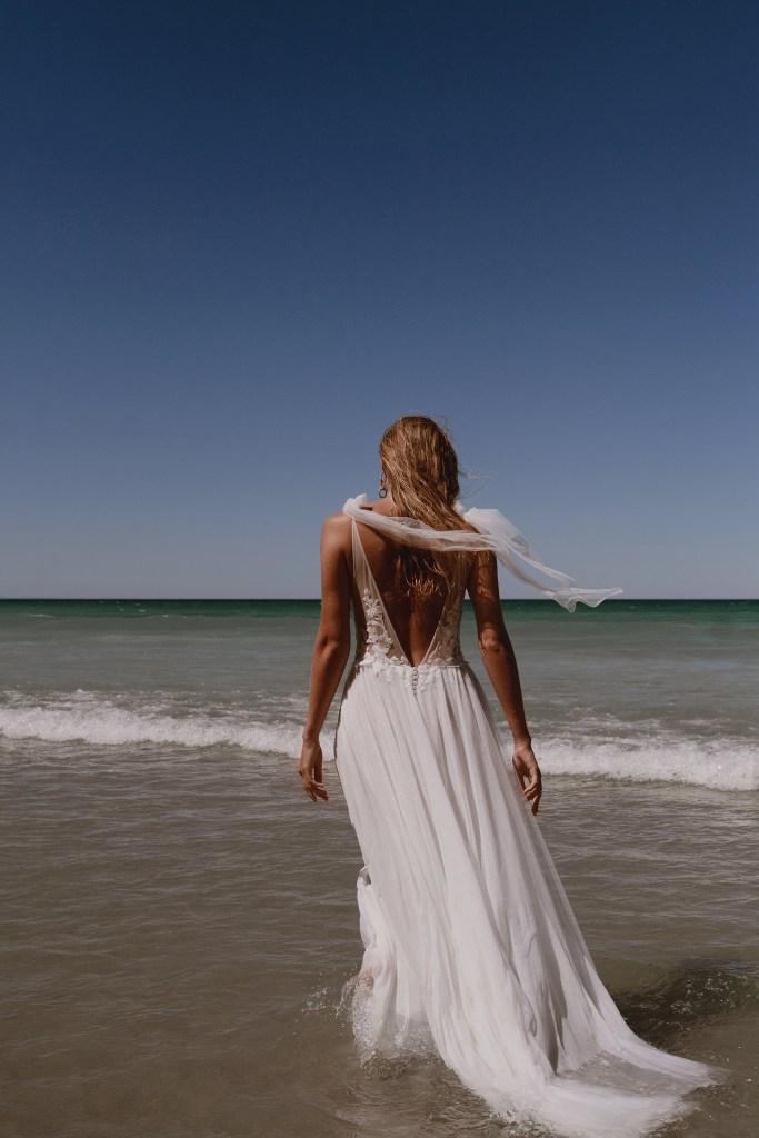 robe de mariée à la plage
