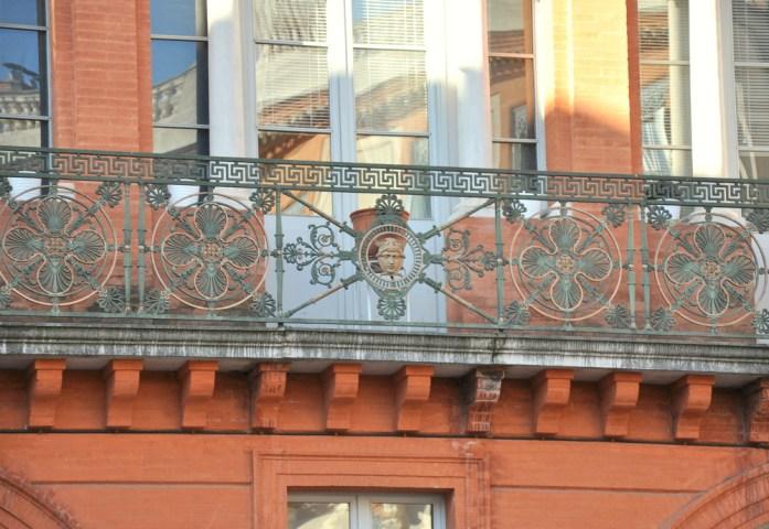 Toulouse - balcon de la place de la Trinité