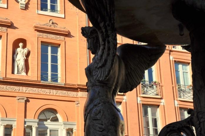 Toulouse - Statue de la place de la Trinité