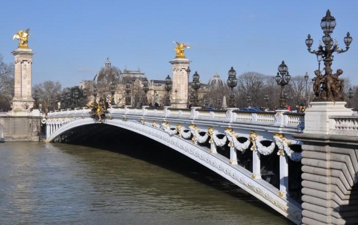 Paris - le pont Alexandre III depuis les quais