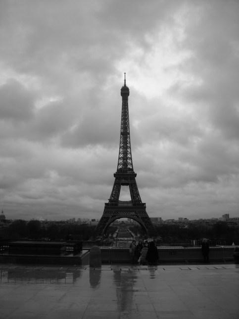 Paris - la tour Eiffel en noir et blanc