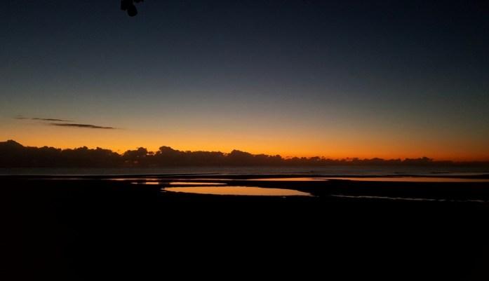 Nouvelle Calédonie - lever de soleil à Pouébo
