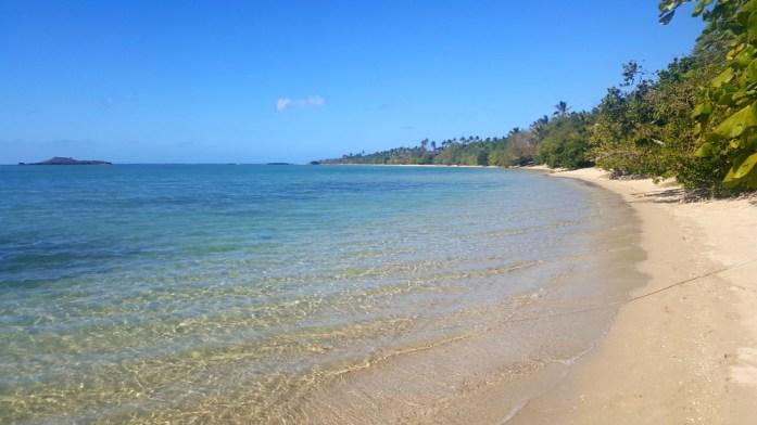 Nouvelle Calédonie - plage du relais de Poingam