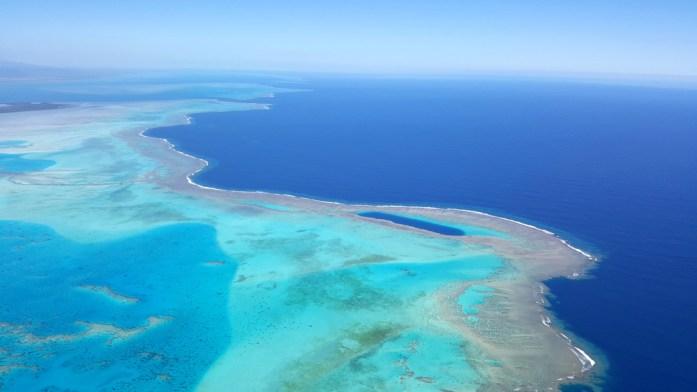 Nouvelle Calédonie - survol du Trou bleu