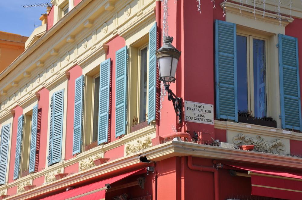 Visiter Nice en un week-end - cours Saleya