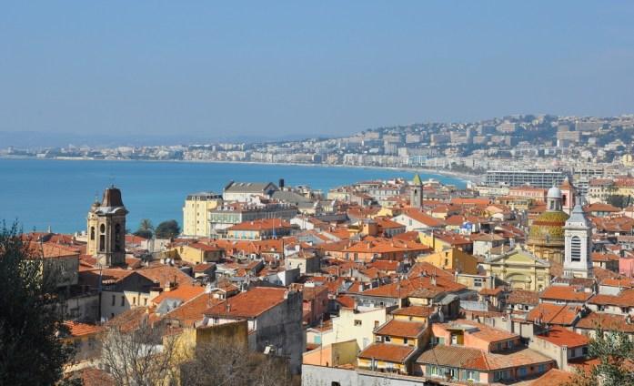 Visiter Nice en un week-end : vue sur les toits et la mer