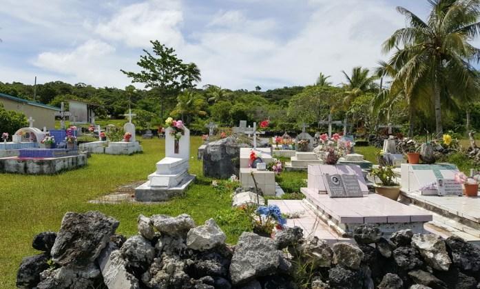Îles de Nouvelle Calédonie - cimetière coloré