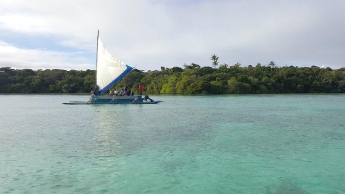 Les îles de Nouvelle Calédonie - pirogue traditionnelle