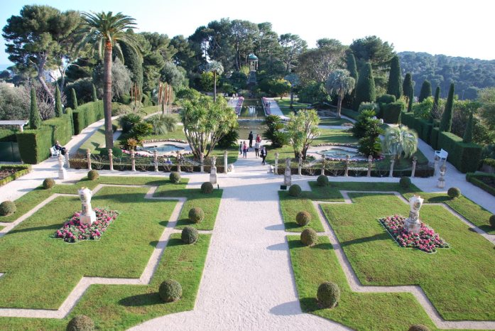 Cap Ferrat - jardins français de la villa Ephrussi de Rothschild