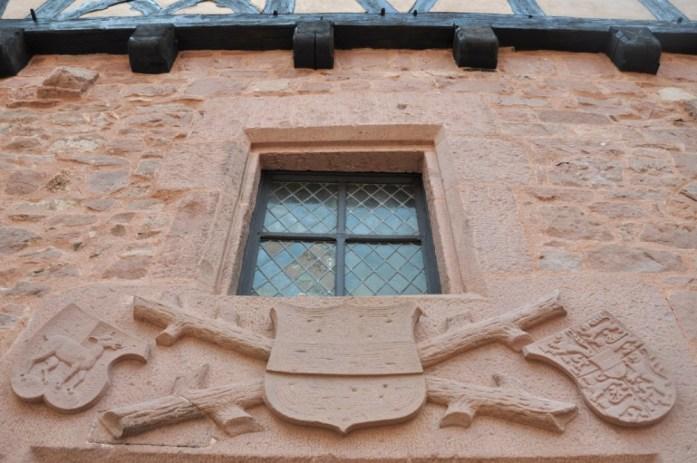 Le Haut Koenigsbourg en Alsace - armoiries