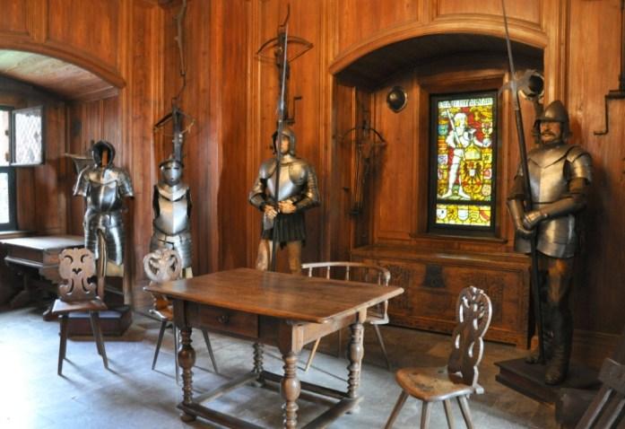 Le Haut Koenigsbourg en Alsace - armures
