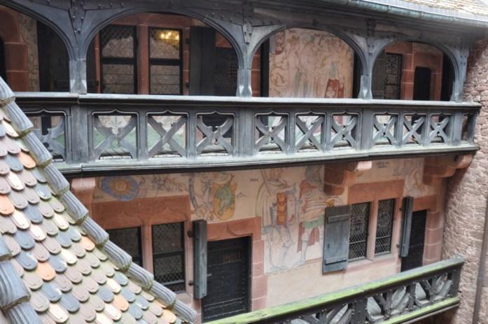 Le Haut Koenigsbourg en Alsace - balcon du logis