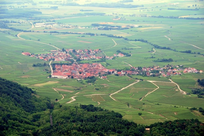 Du Haut Koenigsbourg à la route des Crêtes - vue sur la plaine d'Alsace