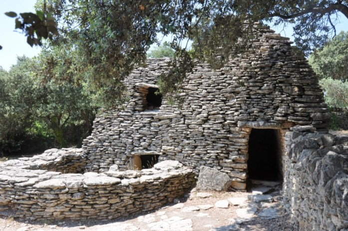 La Marinière en Voyage - maison du village des Bories