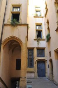 Cour de traboule dans le Vieux Lyon