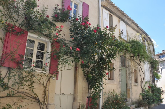 Maisons fleuries à Lourmarin