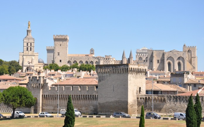 Visiter Avignon et le Palais des Papes en une journée - les remparts