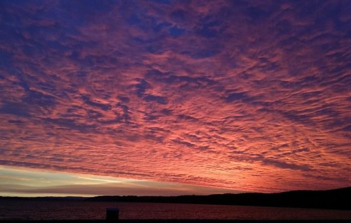 Lever de soleil sur la Presqu'île de Crozon