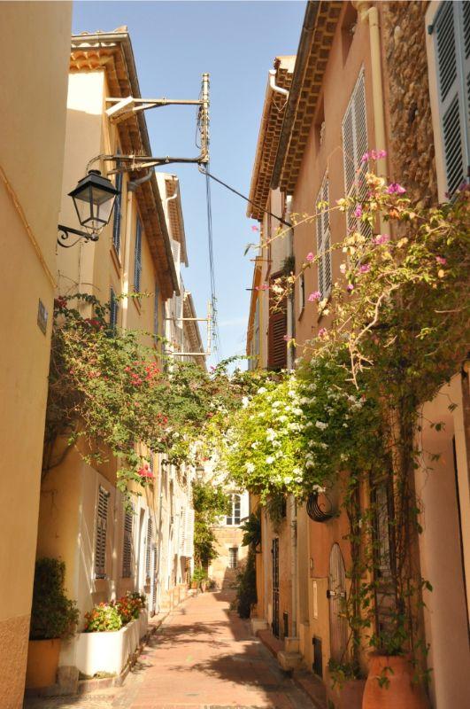 Commune libre du Safranier à Antibes - Blog La Marinière en Voyage