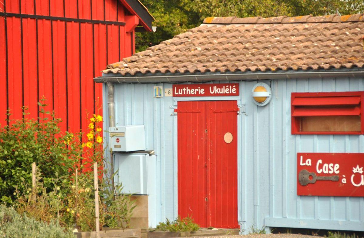 Couleurs cabanes à Oléron - Blog La Marinière en Voyage