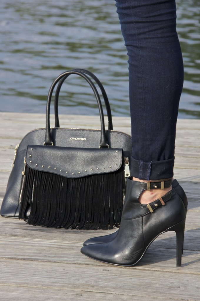 Black Fringe Chromia Bag with black cutout  Guess booties