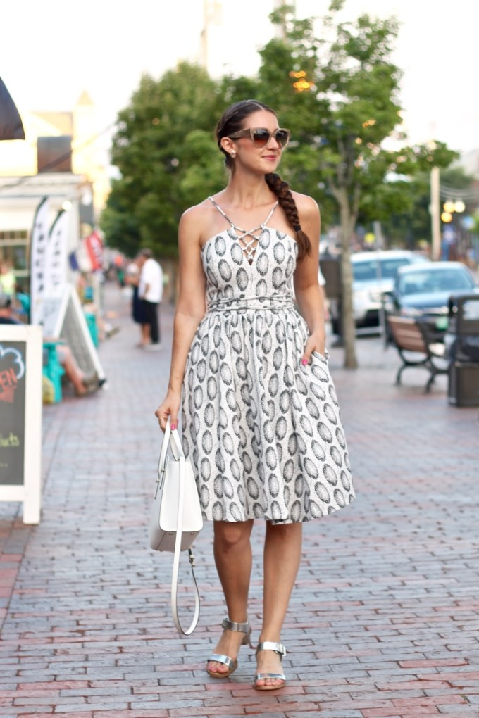 La Mariposa: Summer Lace-up Dress, Banana Republic Heritage Print Lace-Up Dress