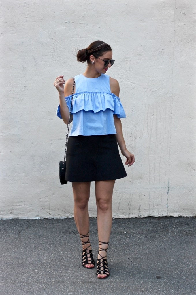 La Mariposa Ruffled Cold Shoulder Top, Zara blue ruffled off the shoulder top, ruffled cold shoulder blouse, summer outfit inspiration, styling a cropped shirt and skirt