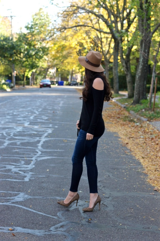 La Mariposa Boston Fashion Blog, Black Cold-shoulder sweater, fall outfit idea, tan fedora hat, leopard pumps