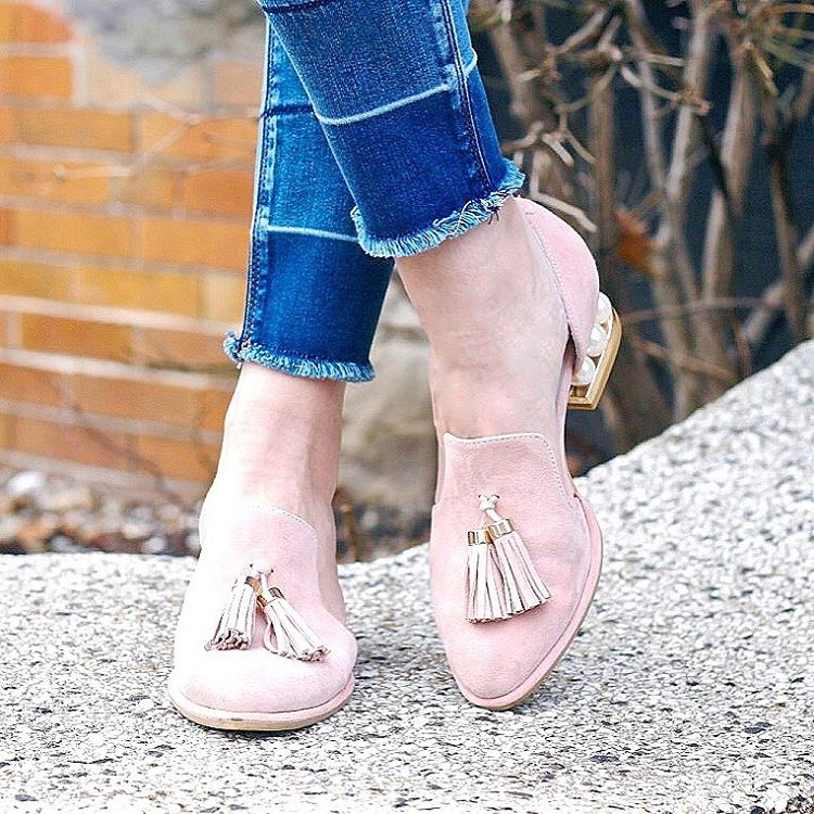On Wednesdays we wear pink pearlheeled loafers  No creohellip