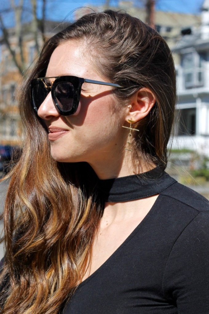 Black choker v-neck shirt, BaubleBar Pia drops
