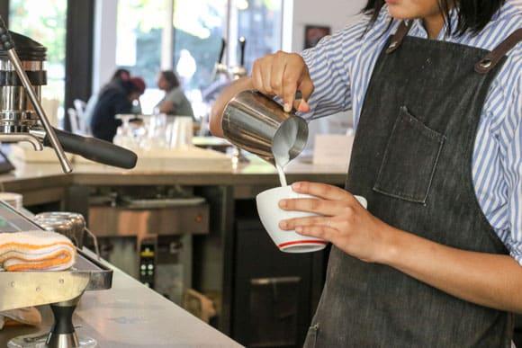lattepour2-580
