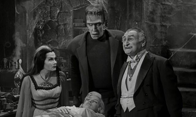 The Munsters: Divertido horror en una familia funcional