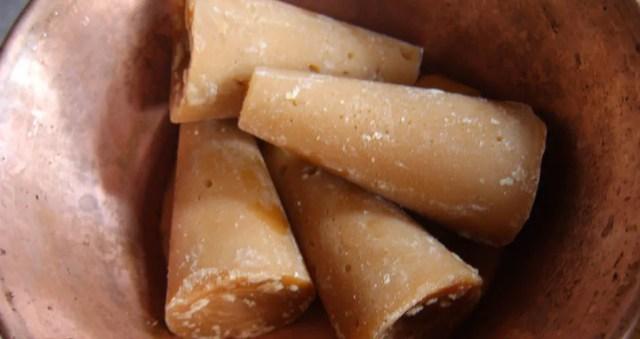 Charamuscas, dulces típicos en extinción