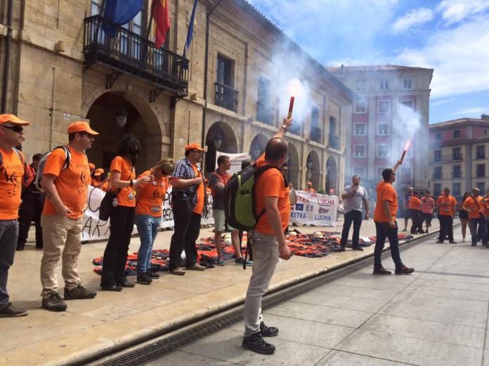 Manifestación de trabajadores de ArcelorMittal en Avilés en solidaridad con la ACB de Sestao y Zumárraga. Foto: CSI ArcelorMittal